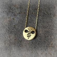 Daisies One Piece Pendant Necklace Cutout Honeybee Necklace Animal Necklaces Pendants For Women