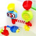 2016 Novo Estilo Engraçado Do Bebê Brinquedos de Banho de Chuveiro de Água dois Sprinkler sistema de Presentes do Brinquedo Das Crianças Das Crianças À Prova D' Água na Banheira para o Banho Do Bebê brinquedos