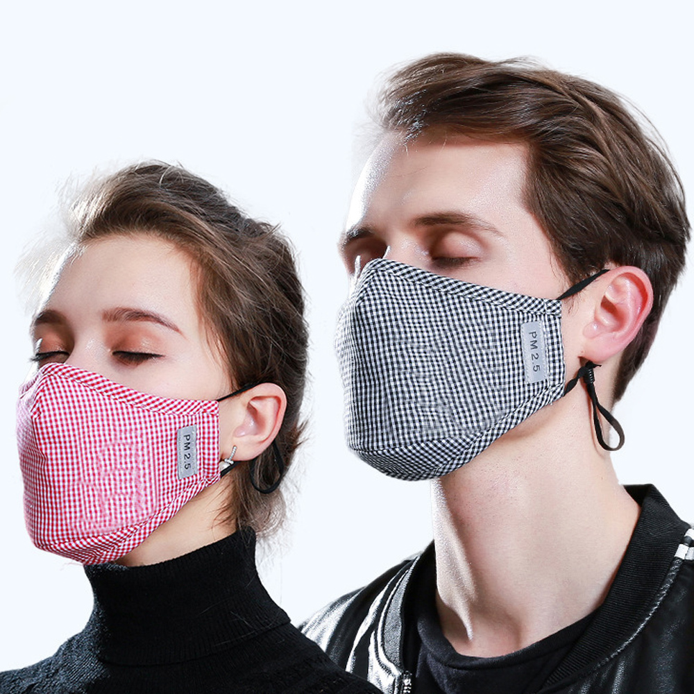 * Cotton PM2.5 Black mouth Mask anti dust mask Activated carbon filter Windproof Mouth-muffle bacteria proof Flu Face masks Care 76