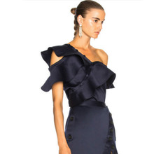 Подиумные сексуальные женские блузки с открытыми плечами, фирменный дизайн, топ с оборками, летние женские рубашки на пуговицах, элегантные вечерние Модные топы