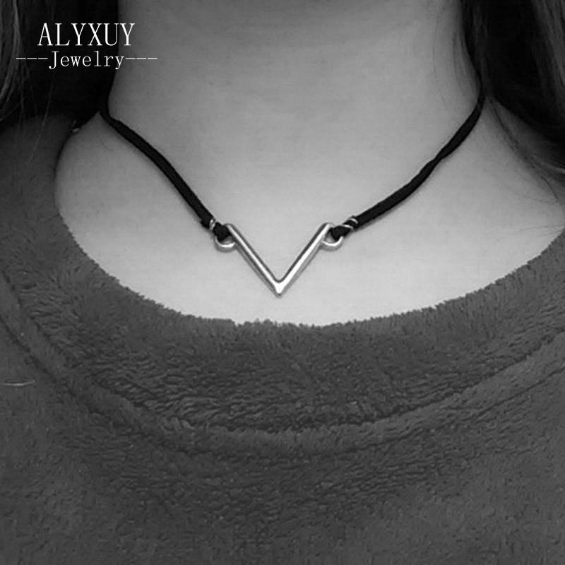 SM/ DE45265 V Design Leder Halsband Halskette fur Frauen Trendy   eBay