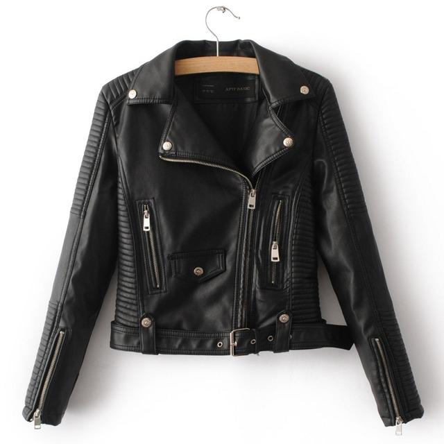 Las mujeres de imitación de cuero chaqueta de color beige negro Biker Chaquetas de Aviador escudo nuevo Corto Jaqueta couro motocicleta Abrigos con Cinturón Mujer S-XL