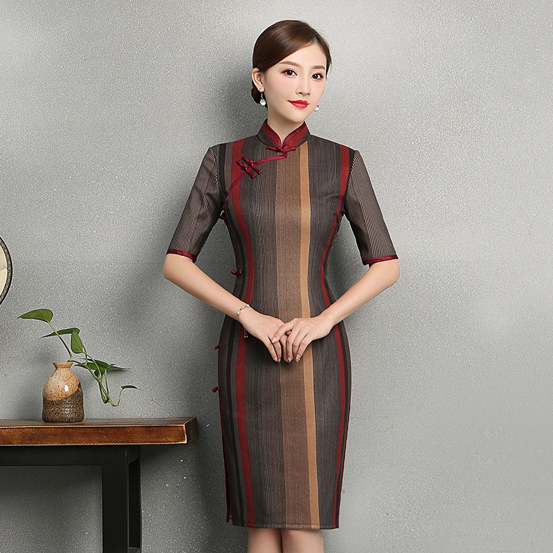 2018 Autumn Long Cheongsam Novelty Chinese style Dress Womens Polyester Qipao Slim Party Dresses Lady Button