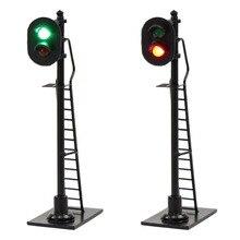 3 قطعة السكك الحديدية نموذج HO مقياس 1:87 2 جوانب كتلة إشارة الأحمر الأخضر إشارات المرور 6 سنتيمتر آخر أسود مع سلم