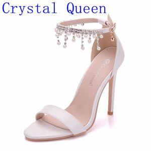 Image 1 - Kristal Kraliçe Kadınlar Zarif Topuklu Düğün Ayakkabı Kadınlar Için yüksek topuklu sandalet İnci Püskül Zincir Platformu Beyaz parti ayakkabıları