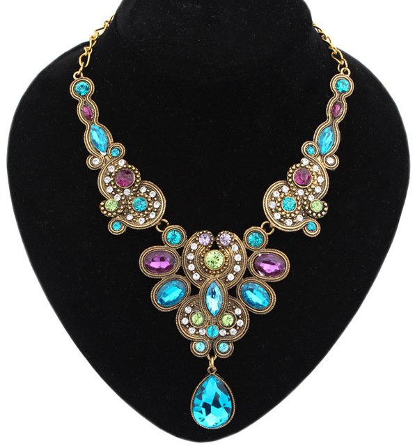 Vintage Crystal Flower Statement Necklace