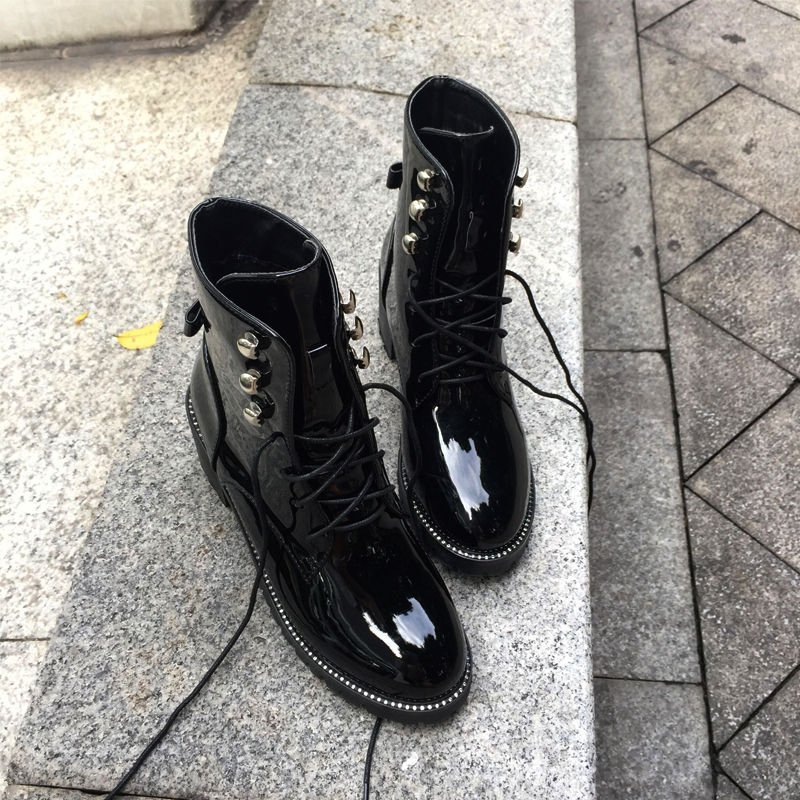 Japanned Leather Boots Women Brand Designer Superstars Short Ankle Boots Rivets Studded Martin Boots Winter Snow Booties Ladies