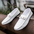 2017 de Primavera y Verano Solos Zapatos Mocasines Slip-on Holgazanes Hombres PU Pisos de Cuero Zapatos Del Barco Mocasines Para Hombre zapatos de Conducción Respirables zapatos