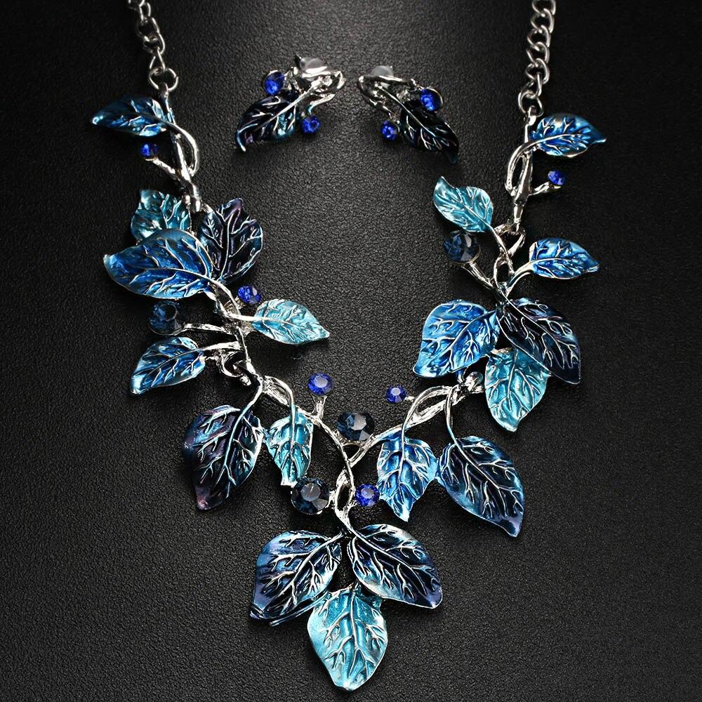 1PC 2018 NEW Bohemia Crystal Flower Pendant Statement Necklaces ... 961a24fbc016