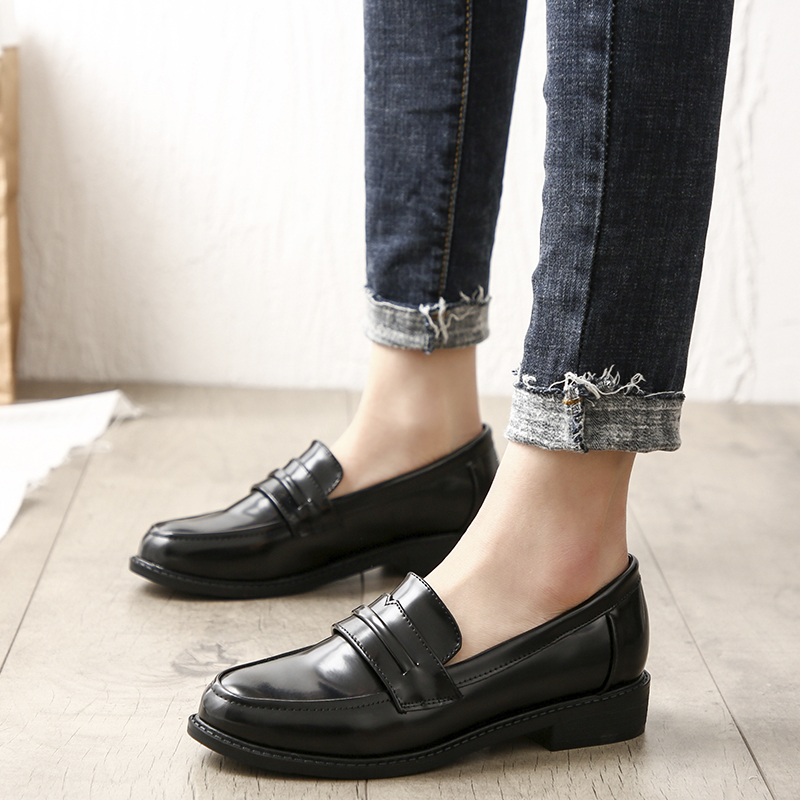 2020 Spring Women Leather Loafers Plus