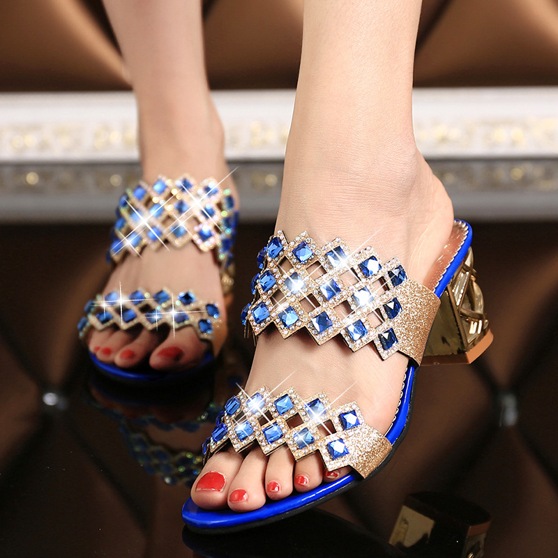 Womens shoes 2019 new summer hollow female sandals with square with sandals fashion rhinestones diamonds female slippersWomens shoes 2019 new summer hollow female sandals with square with sandals fashion rhinestones diamonds female slippers