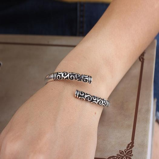 QCOOLJLY 2017 1pc Retro Vintage ancient Thai Silver Color high-grade iron Great opening Bangle For Women Men Unisex