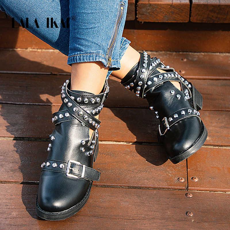LALA IKAI kadınlar siyah yarım çizmeler toka kayış perçin ayakkabı kadın Pu deri motosiklet botları sonbahar serseri çizmeler XWA5139-4