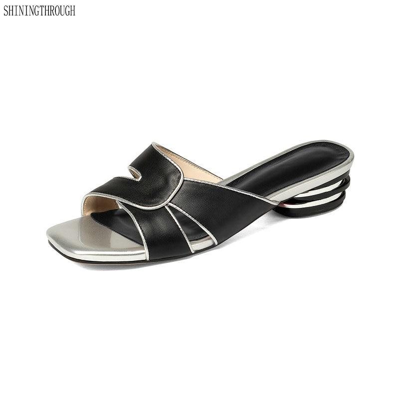 64f04b3fdd985 Женские тапочки из телячьей кожи летняя кожаная обувь на среднем каблуке  Женские однотонные сандалии с открытым носком шлепанцы с металлич.