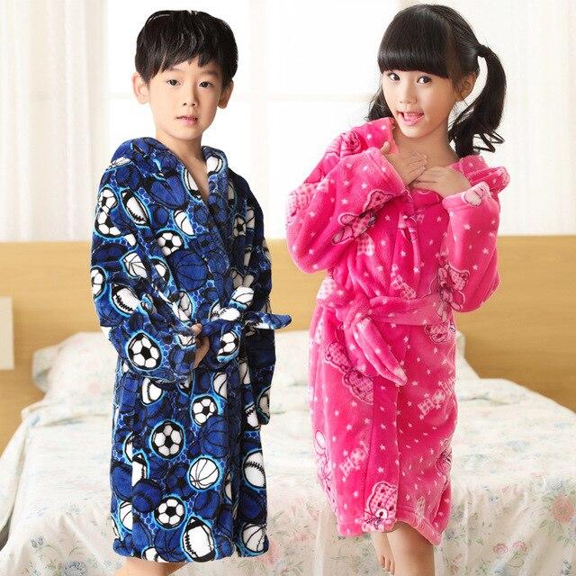 Fashion 2018 Children's Bathrobe Autumn Winter Warm Flannel Nighgowns for Boys Cartoon Kids Robes Fleece Girls Hooded Bathgowns