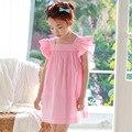 Весна лето мало подростковые девушки платья без рукавов оборками хлопок свободные розовый полосатый дети платья девушки новый 2017 одежда