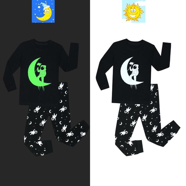 New Fashion Boys Astronaut Printing Glow in the Dark Pajamas Set Cotton Baby Girls Sleepwear Pijamas Kids Boys Clothes Girls PJS