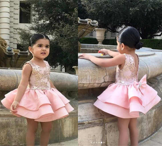 Здесь продается  Lovely Blush pink bling sequins V-back mini flower girl dress baby birthday gown little kid tea party graduation outfit with bow  Детские товары