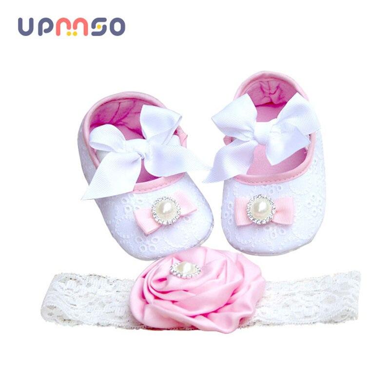 Крещение крещение для новорожденных девочек Обувь оголовье, набор Ткань одежда для малышей; мягкая подошва Тапочки для малышей Обувь для де...