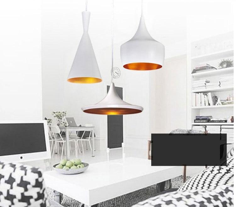 schwarze wände - 48 wohnideen für moderne raumgestaltung ... - Wohnzimmer Weis Gold