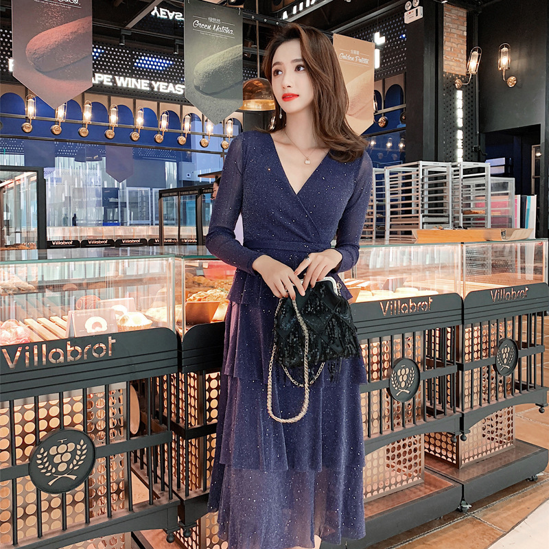 The new spring and summer 2019 sexy sparkling v neck long dress in women's clothing cross border issuing cake