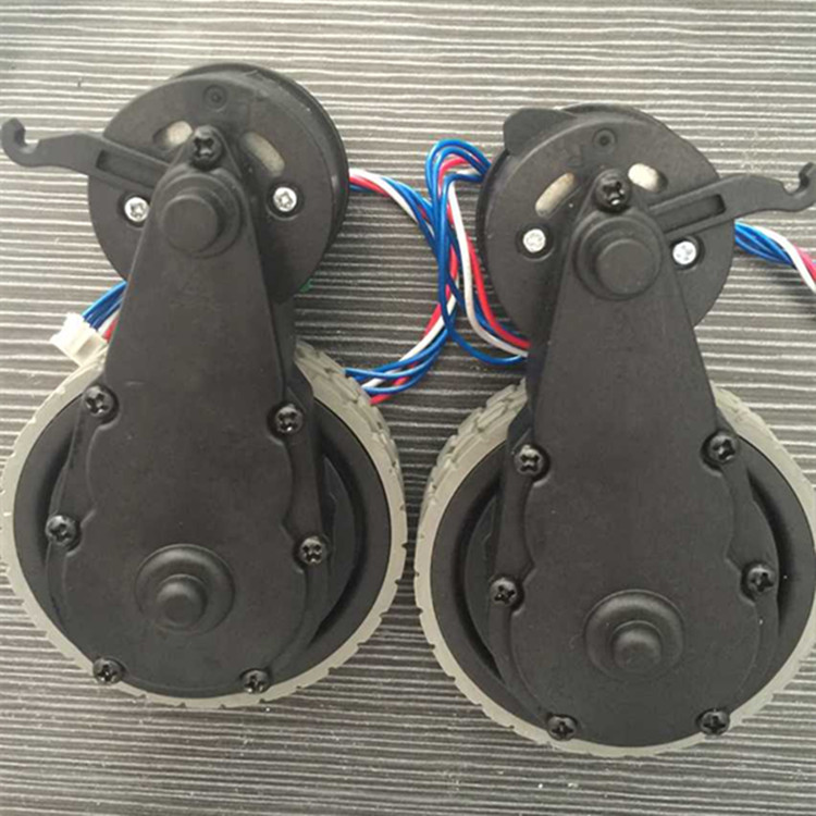 Original Right Left wheel with motor for robot vacuum cleaner Ecovacs Deebot DT85 DT83 robot Vacuum Cleaner Parts wheel motor 1x robot vacuum cleaner parts front castor wheel steering wheel replacement for ecovacs dt85 dt83 tcr660 tcr665
