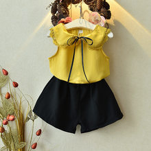 Menina da criança roupas verão sem mangas painel de renda branco topo + amarelo calções casuais meninas conjunto duas peças das crianças