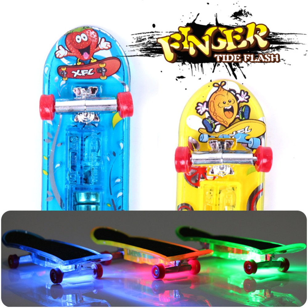 10pcs/lot Mini Light Skateboard Toys Fingerboard Skateboard Tech Boy Kids Children Gifts Kid Creative Toys Vinger Skateboard