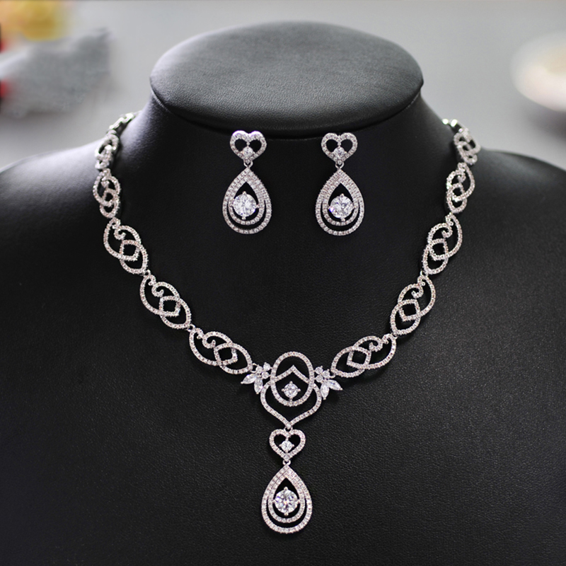 Women Elegent Silver Color Crystal Heart Retro style Bridal Jewelry Sets Earrings Necklace Wedding Jewelry Accessories Sets women silver color crystal flower pearl string bridal jewelry sets earrings necklace wedding jewelry accessories sets