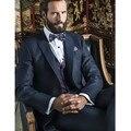 Os homens novos do Estilo Gentleman ternos Azul Marinho Noivo Smoking Homens do vestido de Casamento Prom Suits (Jaqueta + Calça + Colete)