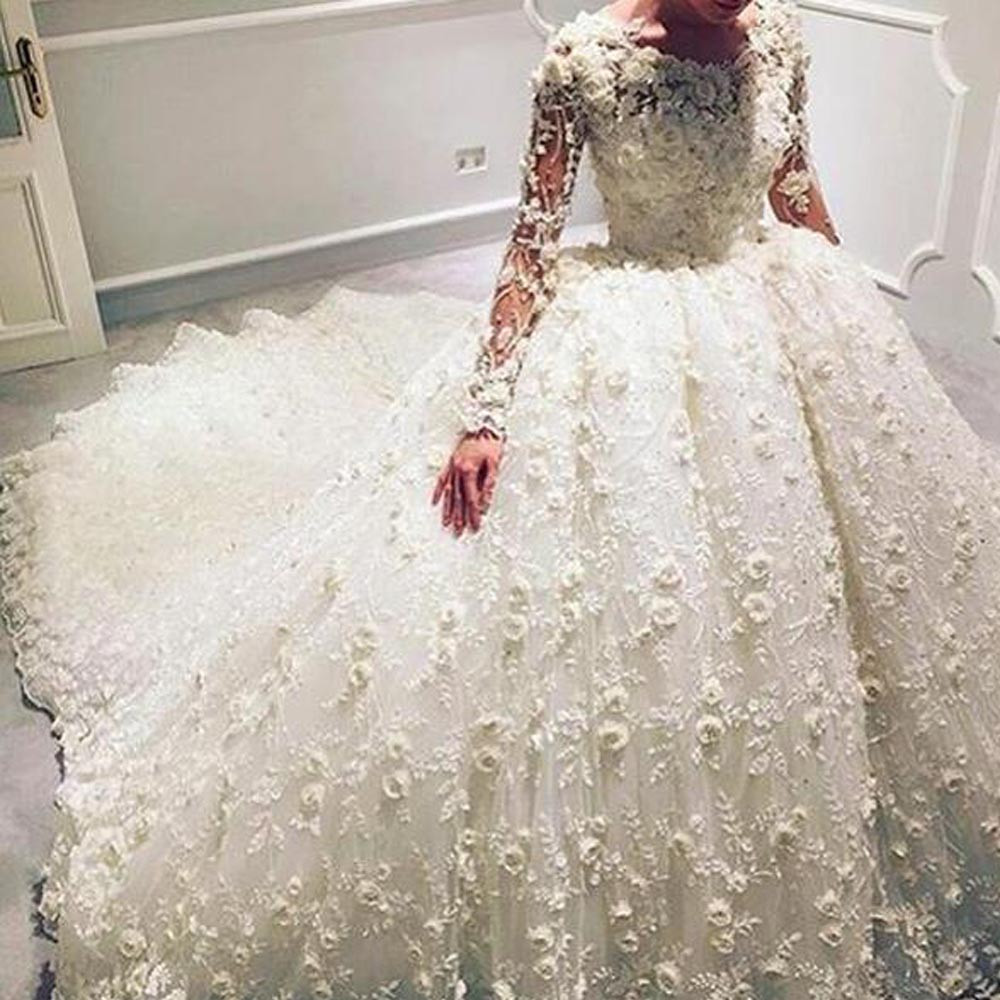Luxury Wedding Gowns Floor Length Sheer Crew Neckline Lace Appliques Hand Made Flowers 3D Flowers Long
