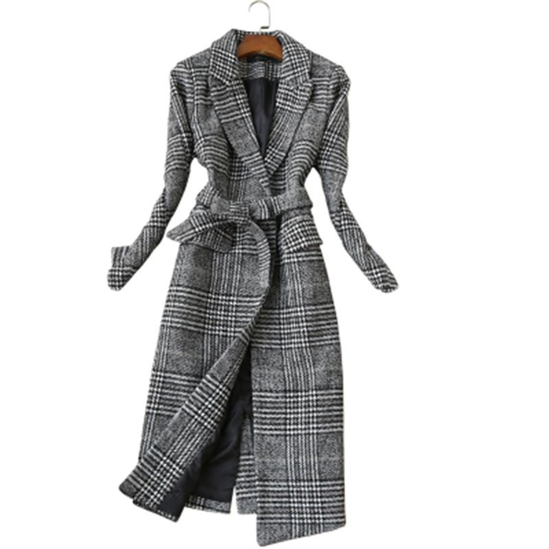 Fashion plaid jacket Women autumn and winter New Large size temperament long woolen plaid coat woolen