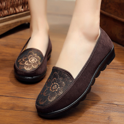 Middle-aged and old people autumn and winter slip old shoes old lady grandmother old Beijing cloth shoes mother flat with the el vintage embroidery women flats chinese floral canvas embroidered shoes national old beijing cloth single dance soft flats
