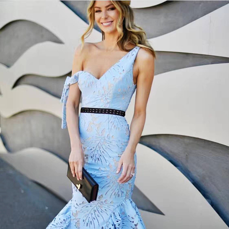 2018 Winter Christmas Runway Designer Women Light Blue Lace Dress One Shoulder Hollow Out Bodycon Party Mermaid Dress Clothes