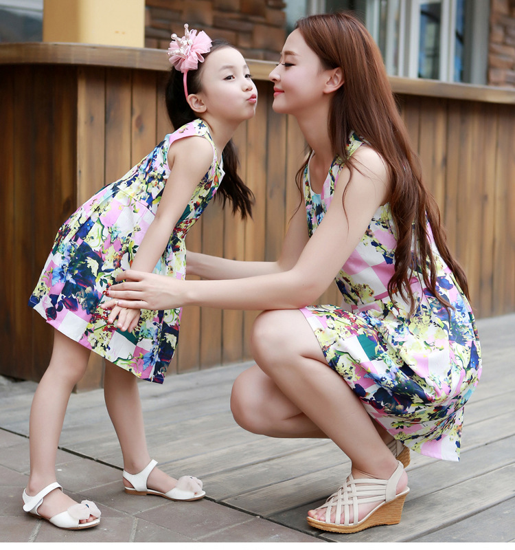 Matching Mother Daughter Clothes Fashion Family Outfits Mom Girl Dress Mommy Me Summer Fashion Floral Print Sleeveless Dresses In Matching Family Outfits