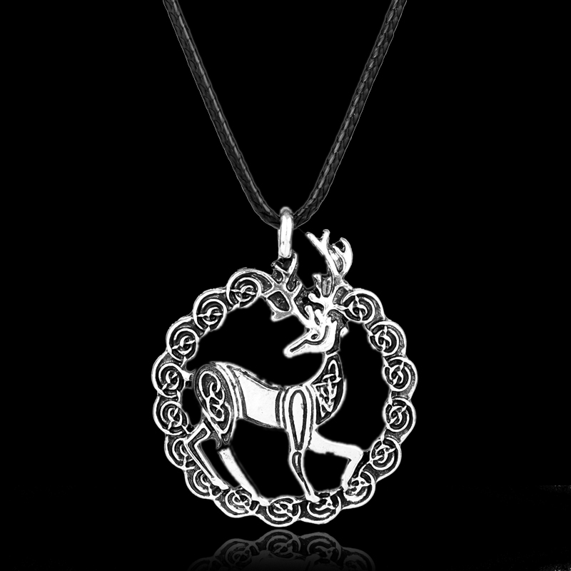 MQCHUN Fashion Accessories Deer Neklace Jewelry Outlander Scottish Kilt Deer Pendant Choker Necklace for Women Men Jewelry Gift