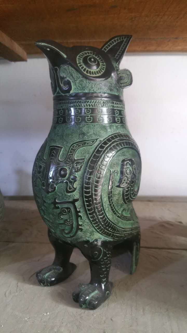 Elaborate Chinese Collectible Decorated Archaistic Handwork Bronze Owl Statue