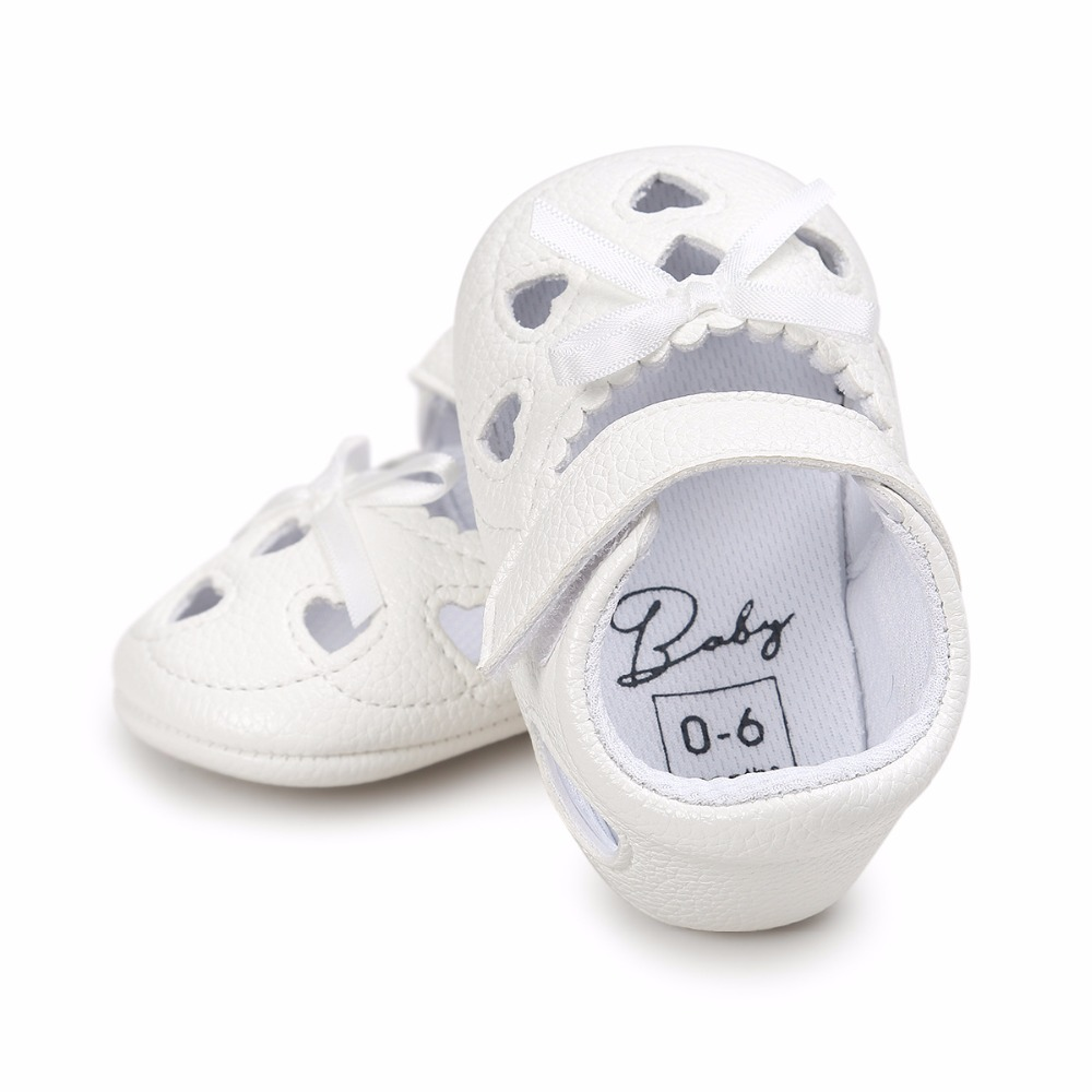Baby Girl Sandals Baby Summer Clogs Soft Bottom Non-slip Baby Princess Infant Girls Love Shape Kids Shoes crib Shoes Prewalker