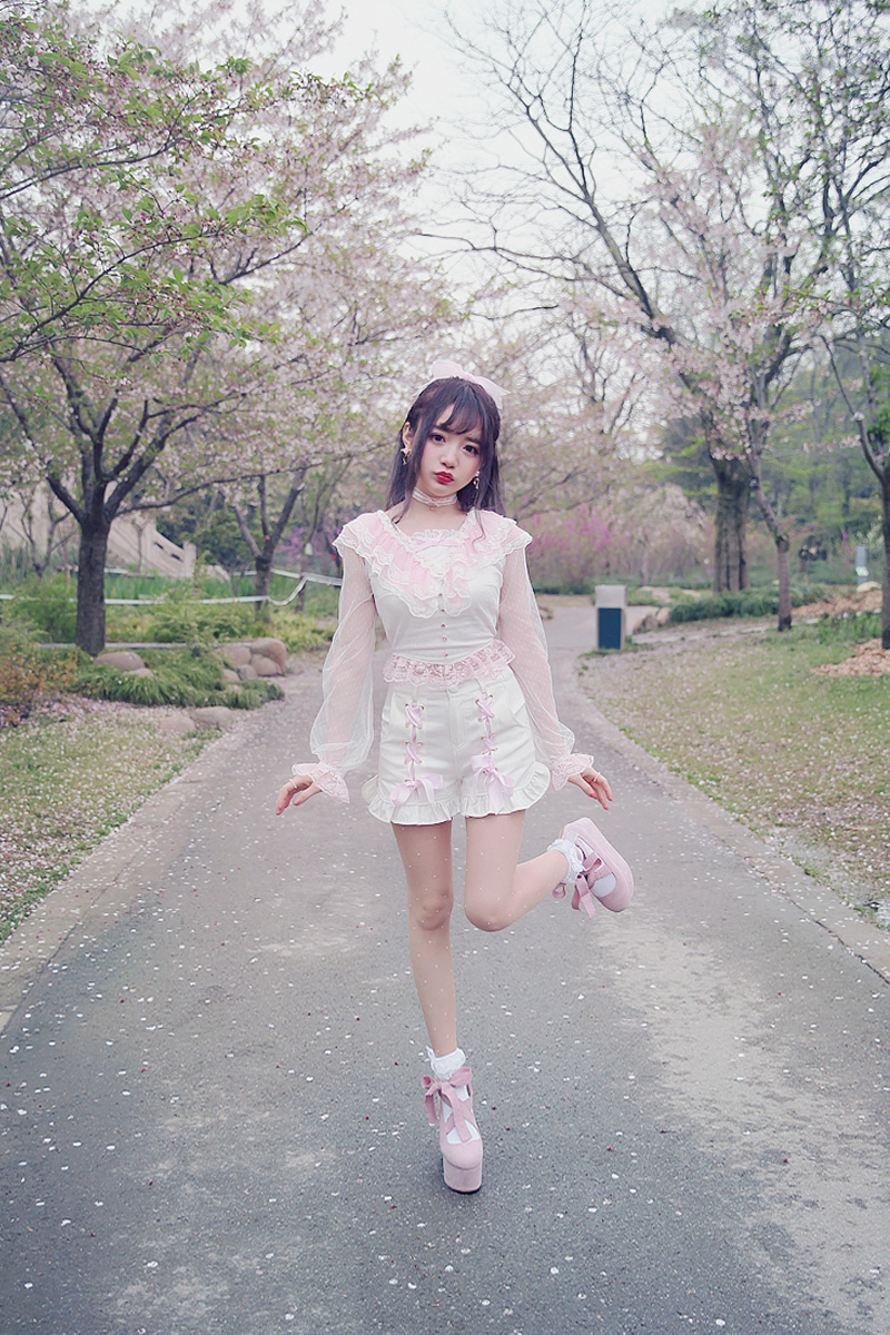 Princess sweet lolita shirt Summer Japanese style sweet white lace princess long sleeve slim backless short shirt T1462