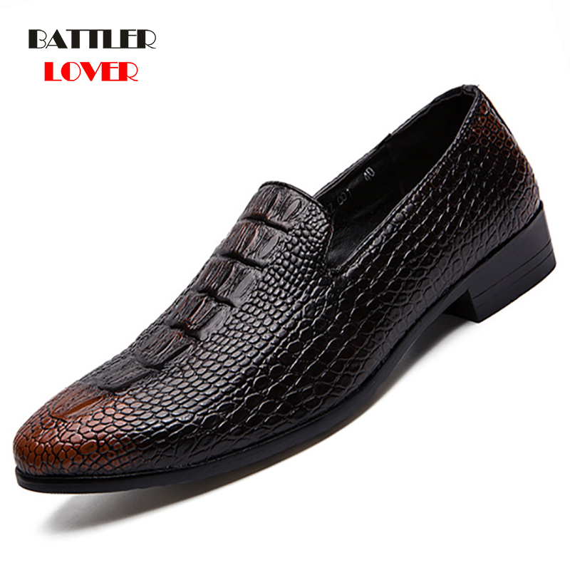 Men Dress Shoes Male Business Wedding Shoes Leather Causal Formal Shoes Pointed Toe Floral Pattern Shoes loafers 2019 New