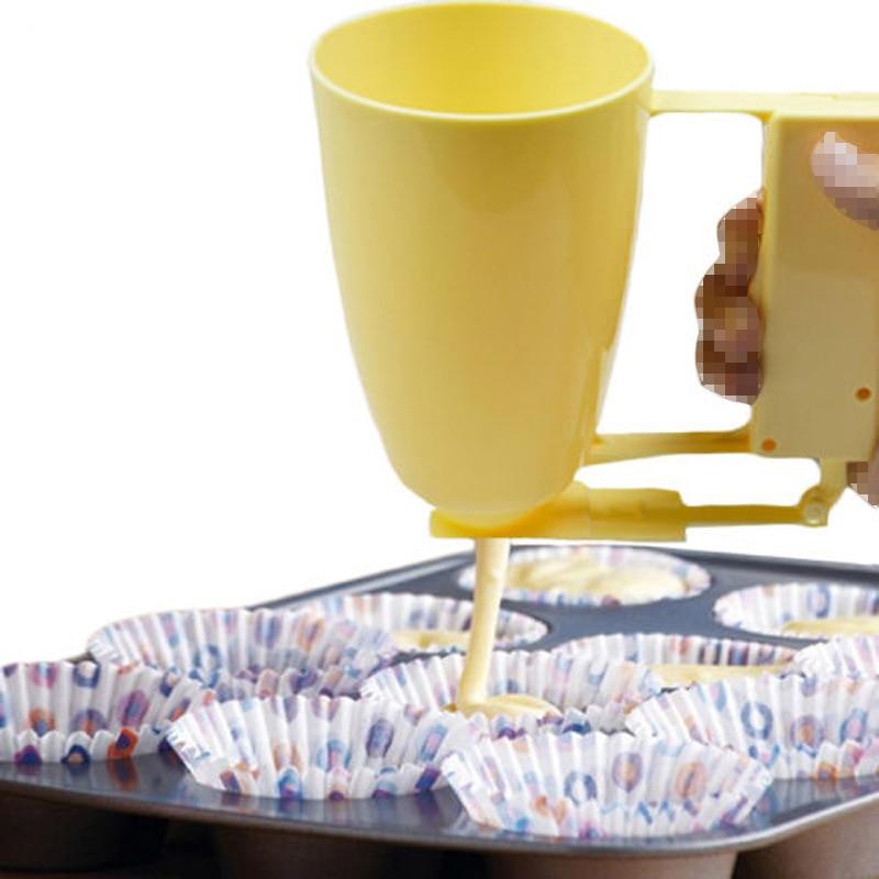 Creative DIY Weight Donut Maker Hand-held Batter Dispenser Meatball Maker Waffle Doughnut Machine Cake Cream Dispenser FY0055