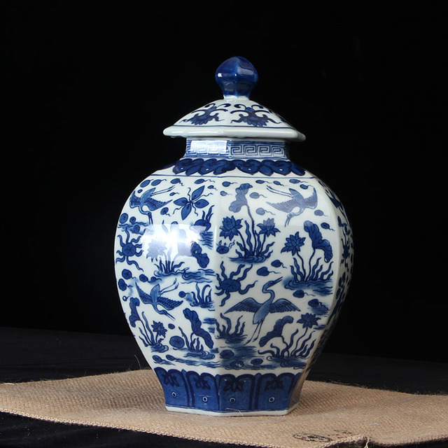 Jingdezhen Hand Made Temple Jar Vase Ceramic Porcelain Ginger Jar