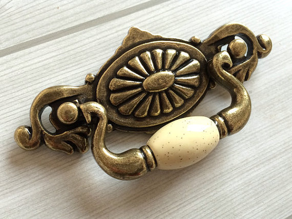 2.25 Drop Bail Dresser / Drawer Handles Pulls Knobs Ceramic / Ivory Cream Antique Bronze Kitchen Cabinet Door Handle Pull 57 mm 4 25 dresser pulls drawer pull handles antique bronze bail cabinet pulls handle knobs furniture door hardware drop swing 108mm