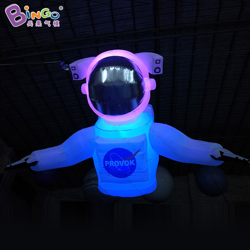 2018 hot sale LED lighting giant inflatable astronaut for astronomical party hanging spaceman pilot cartoon toy for decoration2018 hot sale LED lighting giant inflatable astronaut for astronomical party hanging spaceman pilot cartoon toy for decoration
