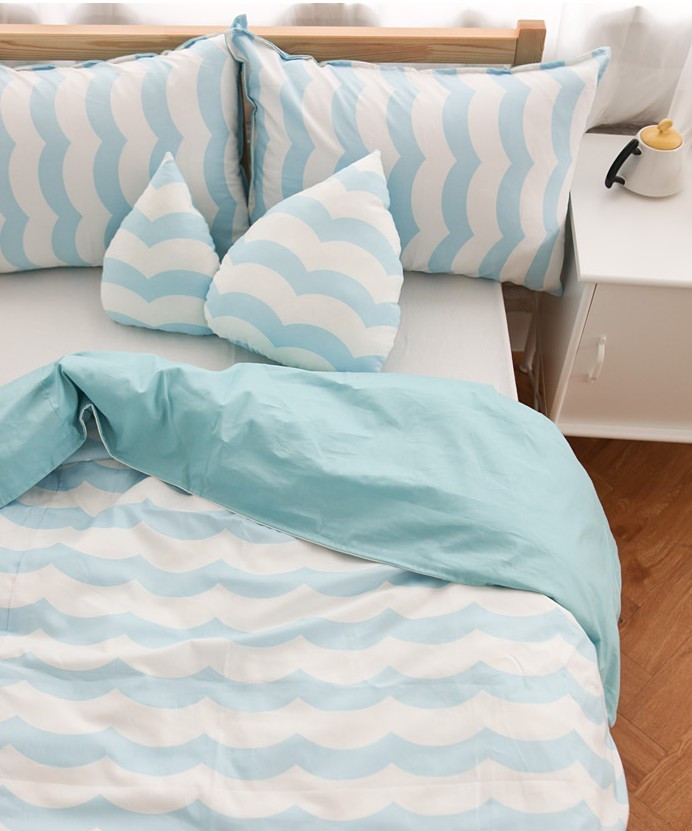 все цены на 150*200cm Kids Blue Duvet Cover Without Comforter Send 2 Pillow Case Wave Striped Pattern 2016 Hot Selling Free Shipping онлайн