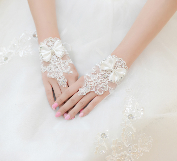 Romad Bridal Gloves Lace Crystal Elegant Tulle White Ivory For Wedding Hook Finger Gloves Red White Women Wedding Accessories R4 Products Hot Sale Weddings & Events