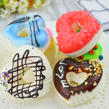 050 Simulate cake eat heart shaped doughnut model Photo Props, cabinet accessories dessert snacks. 7*7.4*3.3cm
