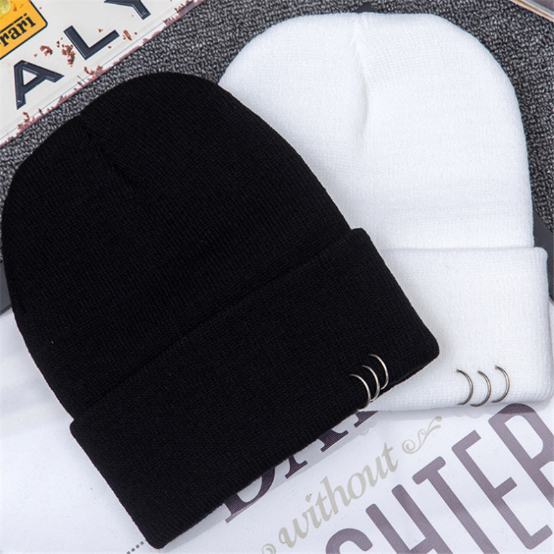 2018 new men women Autumn Winter warm hat fashion Hip hop pure color iron hoop embroidery   Skullies     Beanies   Brand Knitted cap hat