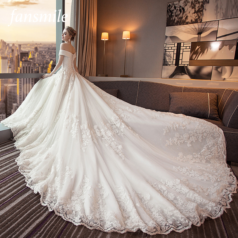 Fansmile Luxury Long Train Vestido De Noiva Lace Wedding Dress 2019 Customized Plus Size Wedding Gowns