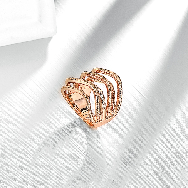 ROXI Brand Rings for Women Irregular Shaped CZ Sliver and Rose Gold Plated Fashion Jewelry Online Shopping India New Year Gift